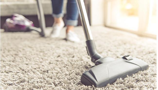 Prácticas con las que ahorrar energía durante la limpieza de nuestro hogar